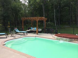 3 Bedroom & HEATED Private Pool! - Albrightsville vacation rentals