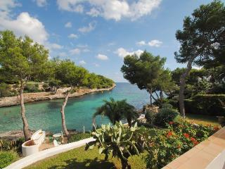 Waterfront Villa right on the Cala d´Or beach - Cala d'Or vacation rentals