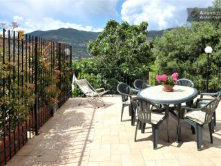 SUPERIOR holiday in Villa (parking and wifi FREE) - San Remo vacation rentals