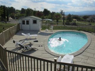 Ardèche, 3 étoiles, piscine privée chauffée - Grospierres vacation rentals