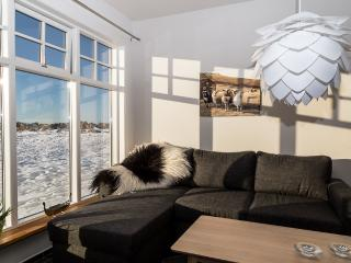 2 bedroom Apartment with Internet Access in Garoabaer - Garoabaer vacation rentals