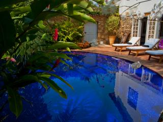 Colonial house with pool in Downtown Paraty - Paraty vacation rentals