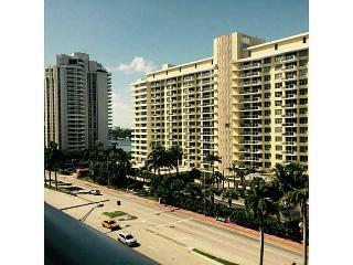 Oceanwalk Beachside Condo - Miami Beach vacation rentals