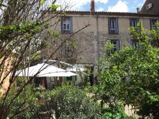 Bel appartement spacieux pour la famille - Agde vacation rentals
