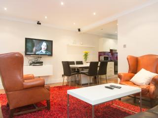 F35AB 3Bed House High St Kensington - London vacation rentals