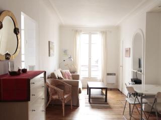 Abbesses Boheme - Paris vacation rentals