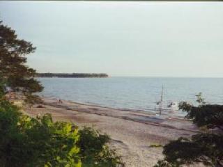 Lake front 4 BR 1.5 bath beach house Angola OTL - Angola vacation rentals