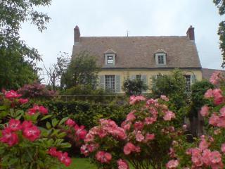 Très Belle Maison de Charme à 55mn de Paris - Giverny vacation rentals