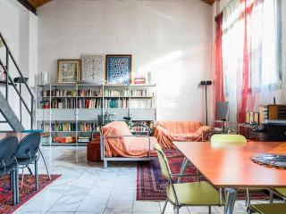 Modern Loft strategic to Fiera Milano and center - Milan vacation rentals