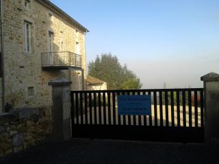Mas Renaissance gîte La Symphonie *** - Vallon-Pont-d'Arc vacation rentals