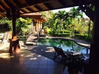 Beautiful Picaflora Private Bali-Style Home-Atenas - Atenas vacation rentals
