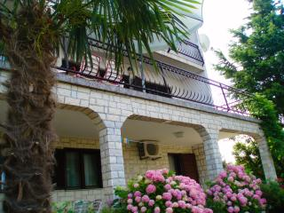 House Ana - CRIKVENICA - Apartman 6-7 people - Crikvenica vacation rentals