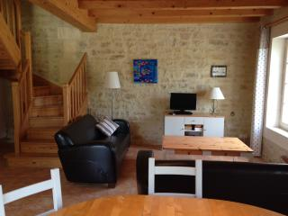 Perfect 2 bedroom Breville Gite with Television - Breville vacation rentals