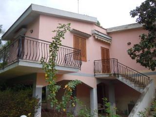 Villa Anzio a 350 m dal mare - Fontane Bianche vacation rentals