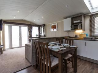Ref 80041 Shorefield at haven Hopton Holiday park  Stunning sea view with deck. - Hopton on Sea vacation rentals
