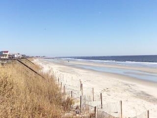 Gorgeous House with Deck and Internet Access - Holden Beach vacation rentals