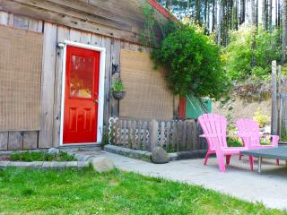 Bunkhouse with 2 meals (whole or dorm-style) - Duncan vacation rentals