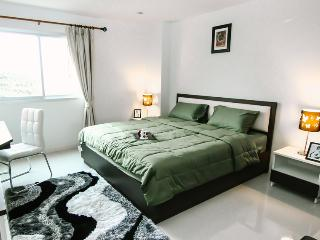 PP PLUS MANSION (ONE BEDROOM APARTMENT) - 19 - Bangkok vacation rentals