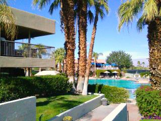 Best Location! View! Ground Lvl, Free Phone PetsOK - Palm Desert vacation rentals