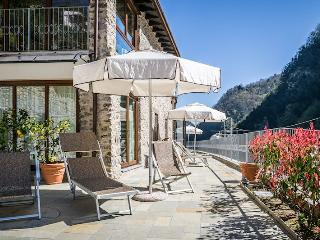 Gorgeous 1 bedroom Fabbriche di Vallico Apartment with A/C - Fabbriche di Vallico vacation rentals