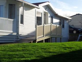 Family & Pet Friendly Lodge with Access Ramp - Bembridge vacation rentals