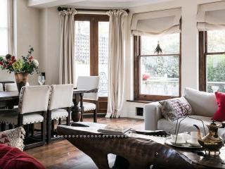 2Bed Chelsea Luxury DREAM w/garden - London vacation rentals