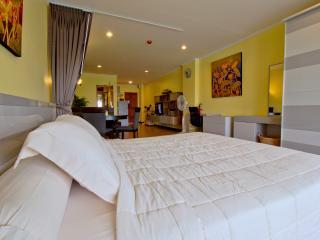 5 stars condo in city centre -206- - Hua Hin vacation rentals