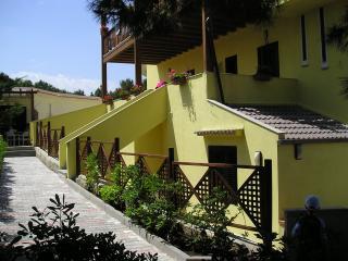 Casanova Residence con Piscina vicino al mare - Molinella vacation rentals