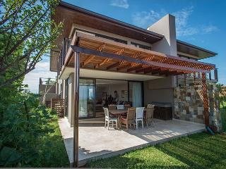 Lovely 3 bedroom Villa in Ballito with Housekeeping Included - Ballito vacation rentals