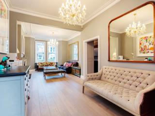 Nice 4 bedroom House in London with Internet Access - London vacation rentals