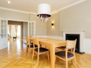 Bright 3 bedroom Vacation Rental in London - London vacation rentals