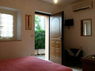 Nice Lanciano Studio rental with Television - Lanciano vacation rentals