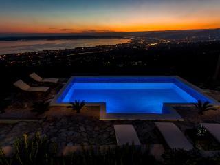 Villa Hill View dalmatian stone house in Kastela - Kastel Kambelovac vacation rentals