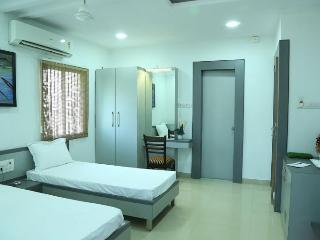 Nice 13 bedroom Bed and Breakfast in Nagpur - Nagpur vacation rentals