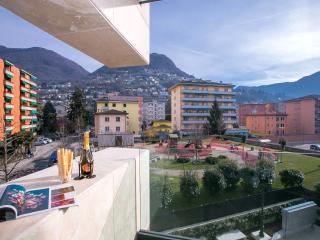 2 bedroom Apartment with Washing Machine in Lugano - Lugano vacation rentals