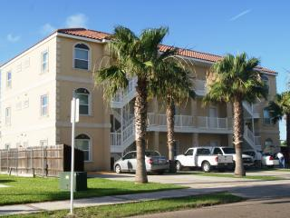 Aqua Dolce #5 mid island 2-3 minute walk to beach - Port Isabel vacation rentals