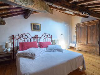 Nice Condo with Internet Access and A/C - Oriolo Romano vacation rentals