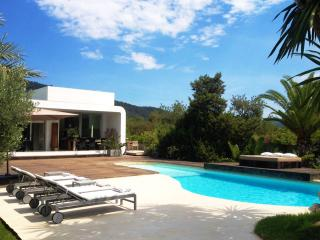 Gorgeous 4 bedroom Villa in Es Cubells - Es Cubells vacation rentals