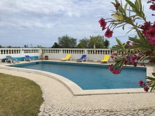 Ocean view villa. Pool free V5 private garden 4 br - Armação de Pêra vacation rentals
