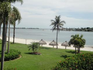 It SHORE is Fun on Isla del Sol!!!! - Saint Petersburg vacation rentals