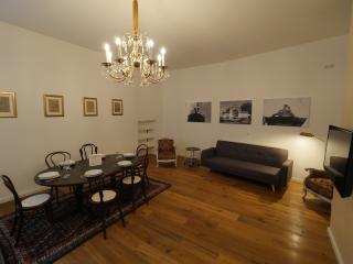 Vienna-Vintage-Apartment 3 - Vienna vacation rentals