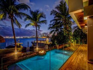 5 Bedroom Villa Teaka - Miami vacation rentals
