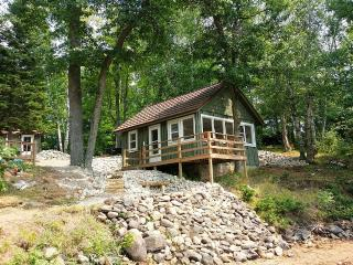Family friendly lakefront fully remodeled - Tomahawk vacation rentals