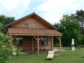 """""""Madriage"""" maison en bois - Vaux-sous-Aubigny vacation rentals"""
