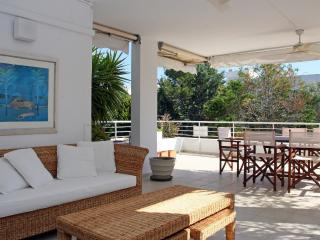 Creta, Bellresguard Apartment - pool/ beach 100 m. - Port de Pollenca vacation rentals