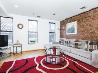 Spacious 2BR/1BA Midtown Manhattan - New York City vacation rentals