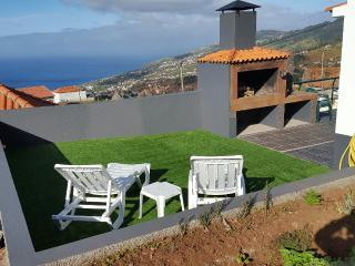 Cantinho da Calçada with air condition  &  or heating - Arco da Calheta vacation rentals