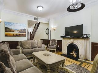 Townhouse Triplex 4Bedrooms - New York City vacation rentals