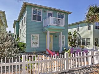 'Casa Bonita' Gorgeous 3BR + Loft Port Aransas House w/Wifi & Marvelous View of Community Pool! Terrific Location - Just 2 Minutes from the Beach, Arnold Palmer Golf Course, Downtown Dining & More! - Port Aransas vacation rentals