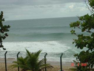 Pé na Areia Vermelhinha do Centro - Ubatuba vacation rentals